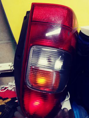 Left rear side headlight for chevy venture for Sale in Lakewood Township, NJ