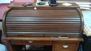 Small Antique Roll top desk for Sale in Columbia, VA