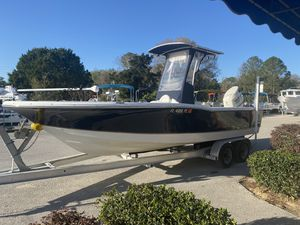 2008 Polar 2310 Bay w/T Top and NEW Suzuki DF175 for Sale in Crystal River, FL