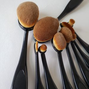 9Pcs oval makeup brush set for Sale in Los Angeles, CA