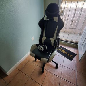 Gaming chair and razer headsets for Sale in San Jose, CA