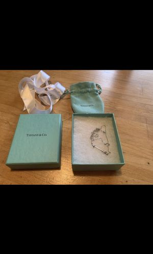 Tiffany & CO arrow pendant necklace for Sale in Kirkland, WA