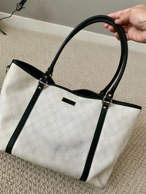 Gucci white shoulder bag for Sale in San Diego, CA