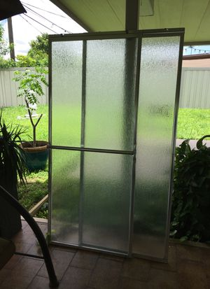 Used shower sliding door. for Sale in Miami, FL