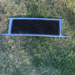 89-91 Chevy Suburban Or Gmc Jimmy Front Grill for Sale in Sacramento,  CA