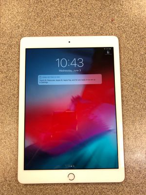 iPad 6th Generation 32GB for Sale in Pasadena, TX