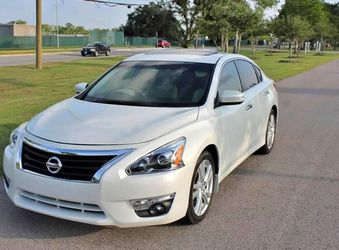 Great Shape. 2012 Nissan Altima AWDWheels for Sale in Waco,  TX