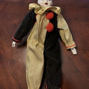 Wind Up Musical Porcelain Doll for Sale in Neptune City, NJ
