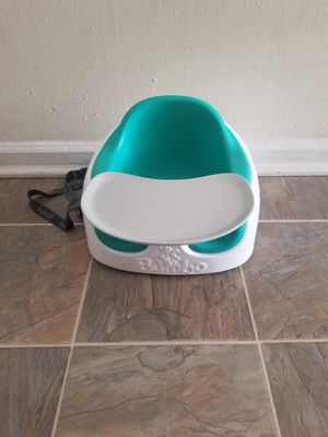 Bumbo Baby Seat Safety Belt Straps Booster With Tray Excellent Condition for Sale in Richmond, VA