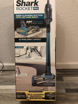 Shark vacuum for Sale in San Bernardino, CA