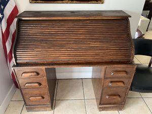 Armoire antique for Sale in Miami, FL