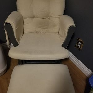 Rocking Chair with Foot Rest for Sale in Tulare, CA