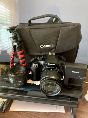 Canon Rebel T6 with many accessories for Sale in Riverdale, GA