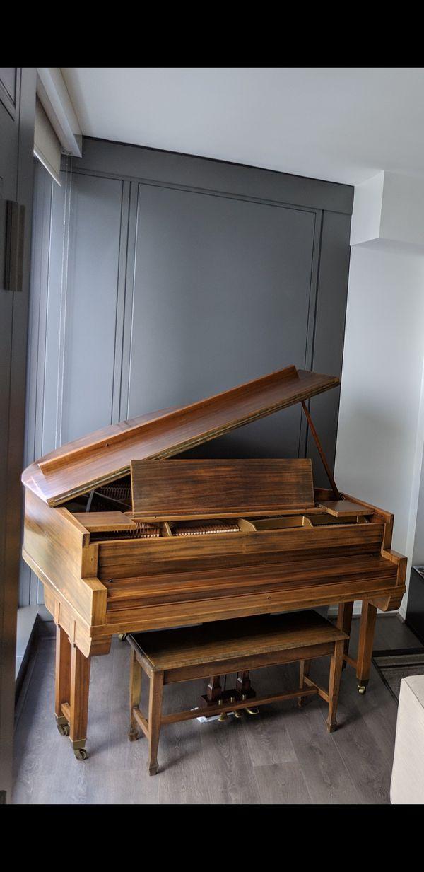 Baby grand piano - Charles Stieff