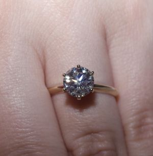 2.02 ct diamond engagement ring! 100% natural and certified! for Sale in Orlando, FL