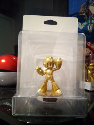 Gold MegaMan amiibo for Sale in Bell Gardens, CA
