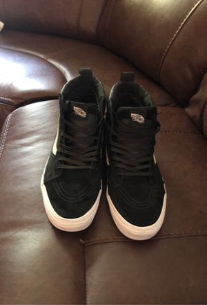 Men's size 13 Black & White VANS for Sale in Valley View, OH