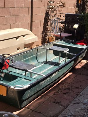 "11'6"" Coleman crawldad with 5 hp Briggs and Stratton outboard with gas tank and 17 lbs thrust mini Kota trolling motor licensed and registered for Sale in Mesa, AZ"