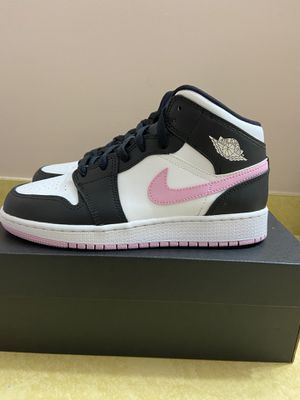 Air Jordan 1 Mid GS White Light Arctic Pink New Size 6Y for Sale in Rockville, MD
