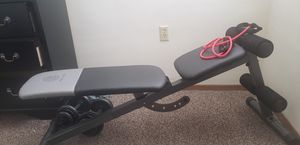 Golds gym weight bench for Sale in Washington, IA