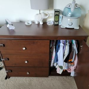 Kids DRESSER for Sale in Herndon, VA