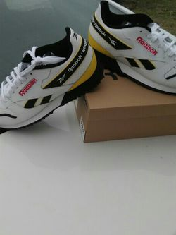 Reebok track shoes for Sale in Dallas,  TX