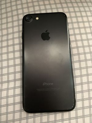 IPHONE 7 unlocked black for Sale in St. Louis, MO