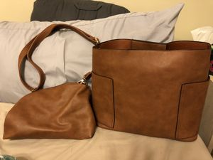 Large hand bag brand new. Comes with smaller purse also never used. for Sale in Deatsville, AL