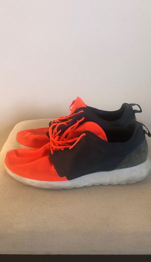 NIKE, men's athletic shoes, good condition, size: 10.5, red/blue for Sale in Mountain View, CA