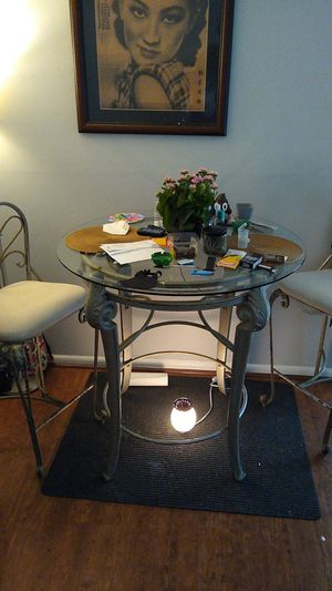 Dining room table (chairs included) must pick up for Sale in Washington, DC