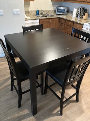 Dining room table and chairs for Sale in Cohasset, CA
