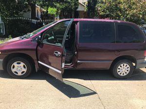 Chrysler ls minivan for Sale in Dallas, TX