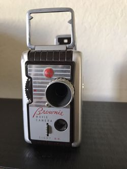 Vintage Kodak Brownie 8mm Movie Camera Crank Up Photography Videography Prop Art Antique Camera Table Decor Statement Piece Collectors for Sale in San Diego,  CA