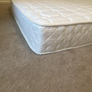 """Slumber 1 by Zinus 8"""" Quilted Pocket Spring Mattress, Queen Size for Sale in Arlington, VA"""