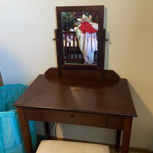 Vanity for Sale in Hilliard, OH