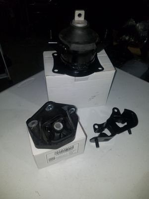 Acura Tl 2004 engine mount and transmission mount for Sale in South Gate, CA