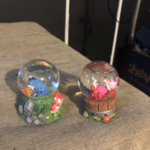 winnie the pooh mini snow globes for Sale in Peoria, IL