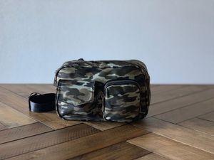 NEW Like Dreams fashion fanny pack, waist belt bag for Sale in Las Vegas, NV