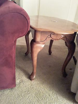 End table for Sale in Fort Wayne, IN