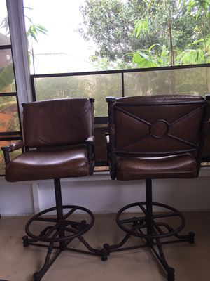 Stools for bar or high counter (set of 2) $50 for Sale in Spring Hill, FL