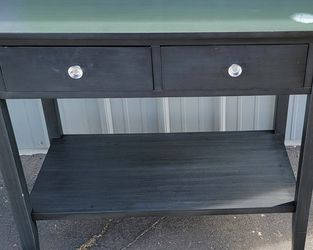 """(LIQUIDATION TODAY) ONLY $$$50$$$ USED BLACK WOOD DESK WITH 2 DRAWERS ( LITTLE DETAILS IN CORNER) (34"""" LONG X 30"""" HIGH X 18"""" DEEP) $$$50$$$ for Sale in Los Angeles,  CA"""