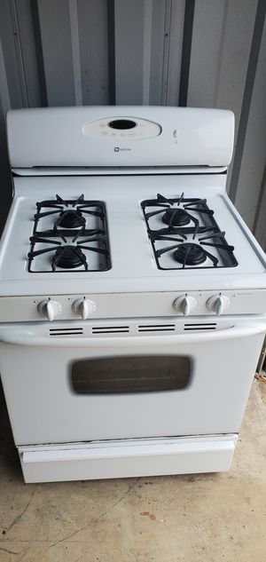 Gas stove maytag good working conditions for Sale in Woodbridge, VA