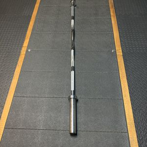 New Titan Ez Curl Bar Rackable for Sale in Hesperia, CA