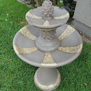 Brand New Resin Water Fountain 36 Inches Tall for Sale in Fontana, CA