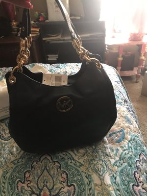 Brand new Michael Kors navy blue purse with large wallet for Sale in Las Vegas, NV