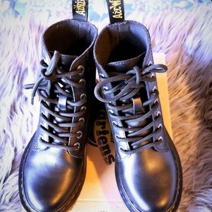 Dr. Martens size 5 for Sale in Los Angeles, CA