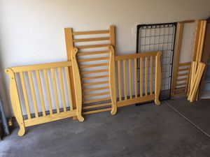Wooden Baby Crib for Sale in Phoenix, AZ