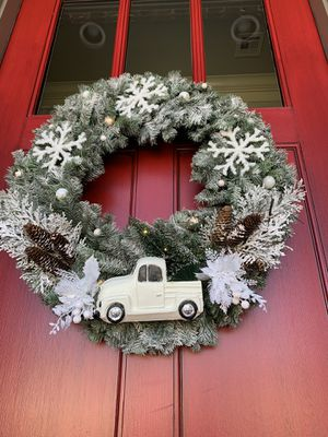 Snowy Christmas wreath for Sale in Choctaw, OK