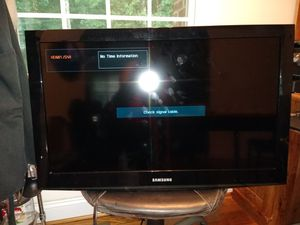 "32"" Samsung LCD TV Series 403 for Sale in Farmville, VA"