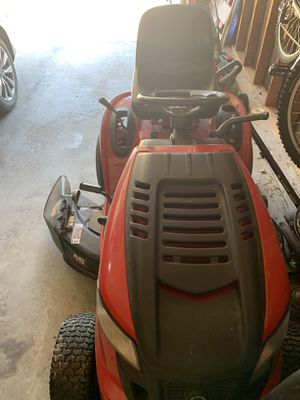 Riding lawn mower for Sale in Bridgeton, MO